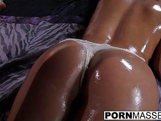 सींग का केआईई तेल शरीर रगड़ के बाद गर्म बकवास प्यार करता है