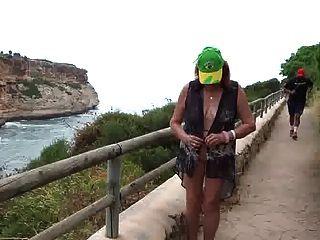 सेक्सी पुराने वेश्या ने ब्राजील के अपने आकर्षण निवासियों को लुभाया