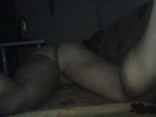 सोफे पर रगड़ना और मेरे गधे सुंदर wiggle !!!