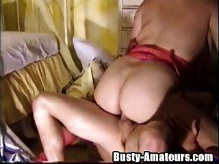 नीचे पहनने के कपड़ा पर जबकि busty हेलेना टक्कर लगी हो रही है