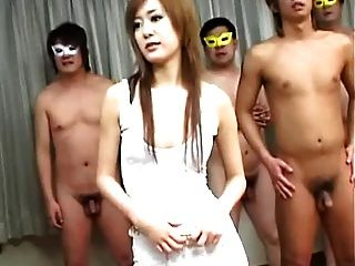 मेगुमी इशीकावा मुखौटे वाले पुरुषों के साथ 4 में से 1 = fd1965 =