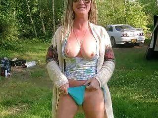 आउटडोर नग्नता और हस्तमैथुन मेरी नाटली कश्मीर यूरोटोर फ्रांस