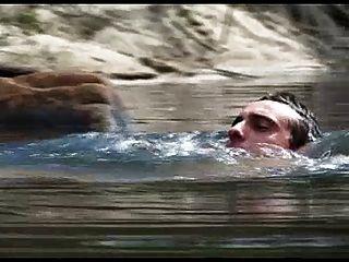 झील के तट पर प्राकृतिक कमबख्त