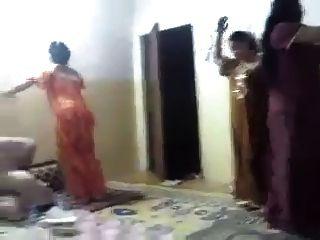 घर नृत्य