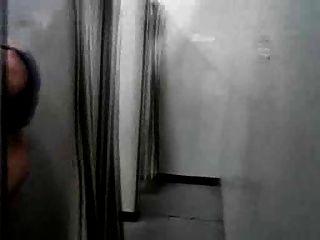 वस्त्र बदलने का कमरा