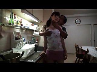एसजी मकान मालिक ने बड़ी तैसा लड़की भाग 1 बहकाया