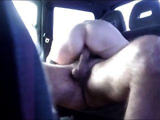 दरवाजा खोलने के साथ कार सेक्स
