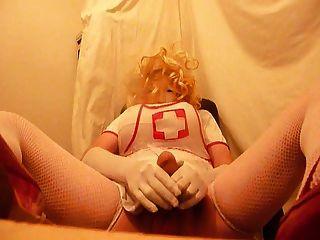 क्रॉसड्रेसर प्लास्टिकफेस नर्स 1
