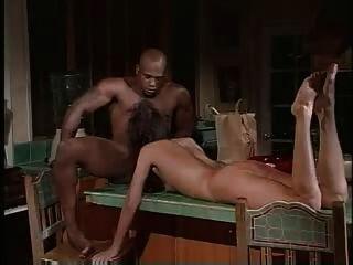 बहुत गर्म सेक्सी स्लिम श्यामला एक बीबीसी और सह के साथ यौन संबंध है