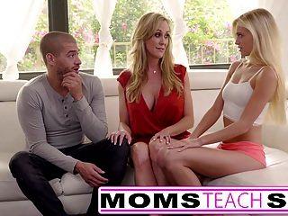 माताओं सेक्स बड़ी तैसा माँ कैच बेटी सिखाना