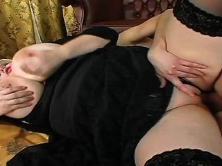 गोरा BBW विशाल स्तन के साथ