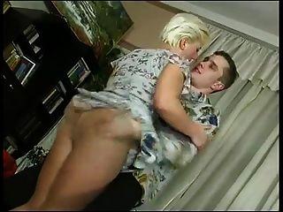 माँ और लड़का