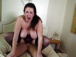 बड़ा परिपक्व माँ नहीं उसके बेटे fucks