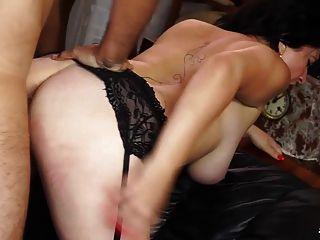 स्तन पर सह के साथ fucks परिपक्व फ्रेंच परिपक्व BBW fucks