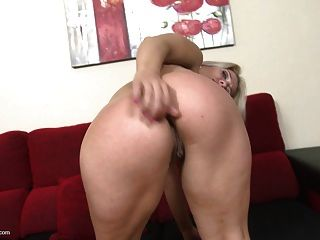 परिपक्व गोरा माँ गुदा और बिल्ली सेक्स चाहता है
