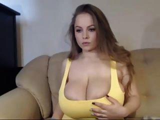 बड़े titted सुडौल महिला कैम पर हस्तमैथुन