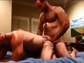 दो बालों वाले पुरुषों कमबख्त और कमिंग