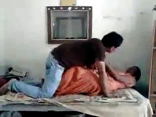 आदमी रवि गर्भवती गर्ल रानी पर गरम hotcamgirls.in पर चूसा