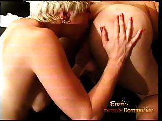 गोरा वेश्या एक दोस्त सह बनाता है और उसके साथ jizz स्वैप
