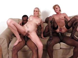 2 पुराने लंड के साथ 2 काले लंड