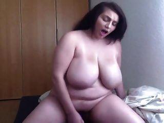 सेक्सी बीबीडब्ल्यू उंगलियां फिर कैम पर