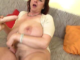 विशाल स्तन ssbbw के साथ परिपक्व सेक्स बम माँ