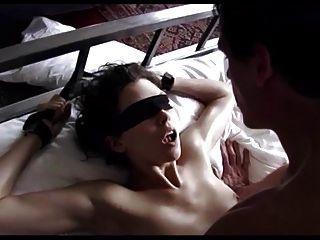 9 गाने में मार्गो स्टिलली आंखों पर पट्टीदार सेक्स