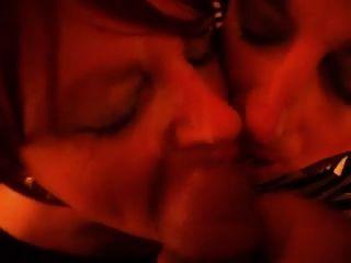 tgirls मैंडी और लिसा एक चेहरे और स्वैप सह ले लो