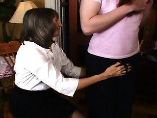 मार्स के प्यार से माँ के अनुरोध पर बहिन प्रशिक्षण शुरू होता है
