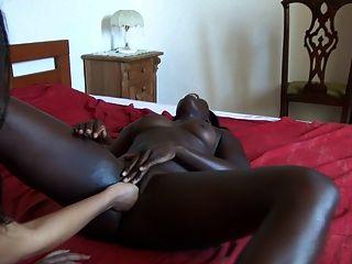 पत्नी के साथ हमारी अफ्रीकी पत्नी