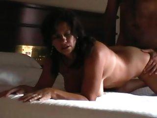 होटल सेसटेप में वास्तविक राज्य पत्नी को धोखा दे रहा है
