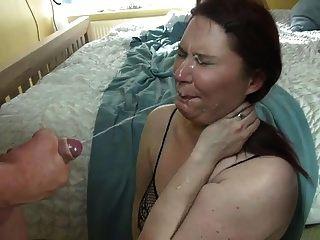 ब्रिटिश पत्नी चेहरे का विस्फोट