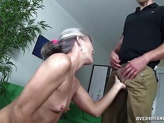 दादी सेक्स खिलौना