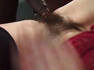 मिस हॉली बुश स्मिथ बेकार है और ओमर को बकवास करता है