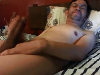गर्म पिताजी अपने विशाल मुर्गा wanking