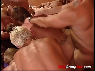 चरम जर्मन groupsex नंगा नाच