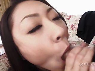 Busty जापानी ruri हयमा बेकार sucks (बिना सेंसर jav)