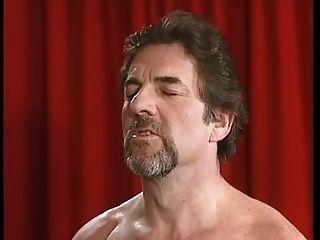 बीबीडब्ल्यू गोरा milf के साथ बड़े स्तन fucked द्वारा 2 पुरुषों dped