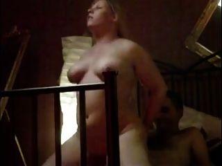 पत्नी गर्म orgasms
