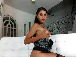 लैटिना कैमवाहोर deepthroat और कमबख्त गुदा