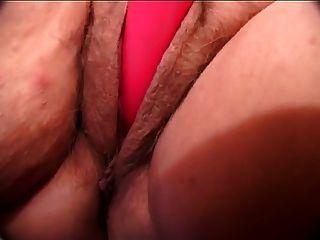 विशाल नरम स्तन के साथ भव्य BBW tanny जर्मन दादी