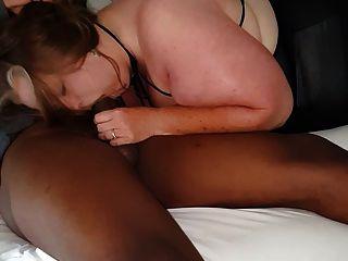पत्नी मोटी चूसना प्यार करता है, मोटेल में बीबीसी युवा संवर्धन