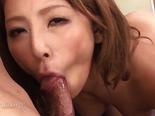 जापानी बेब सकुरा करिरु (बिना सेंसर जव)