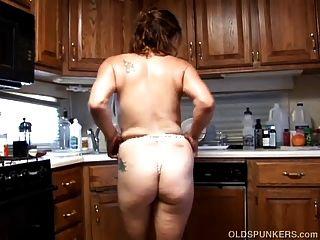 सेक्सी नीचे पहनने वाले में कचरा बूढ़ा मकड़ी उसे रसदार बिल्ली fucks