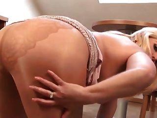 तन pantyhose में गोल - मटोल परिपक्व गोरा