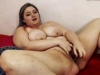 बीबीडब्ल्यू फूहड़ एकल वीडियो में बड़े सेक्स खिलौने के साथ गीली योनि पकड़ी