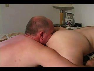 एक असली बड़ा चाटना ले लो!