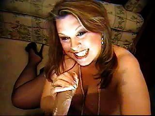 कैम पर भारी स्तन के साथ लज्जा परिपक्व