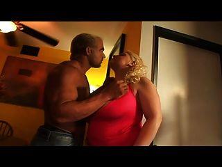 विशाल प्राकृतिक saggy स्तन के साथ गोरा