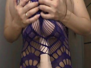 नीचे पहनने के कपड़ा titjob